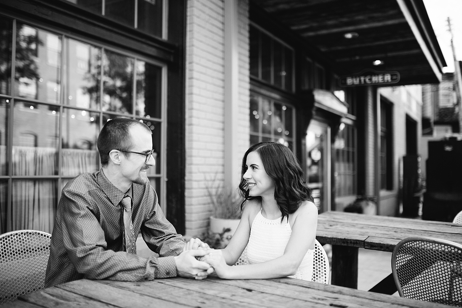 samanthaandrew_baltimore_engagement_session_image009.jpg