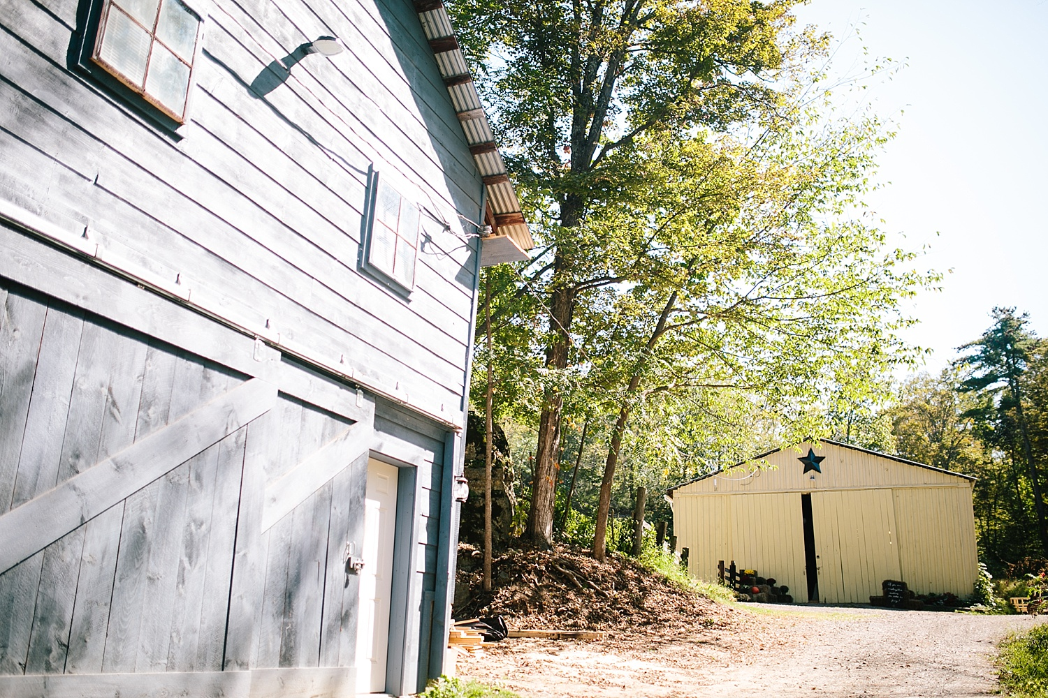 jennyryan_newbeginnings_farmstead_upstatenewyork_wedding_image001.jpg