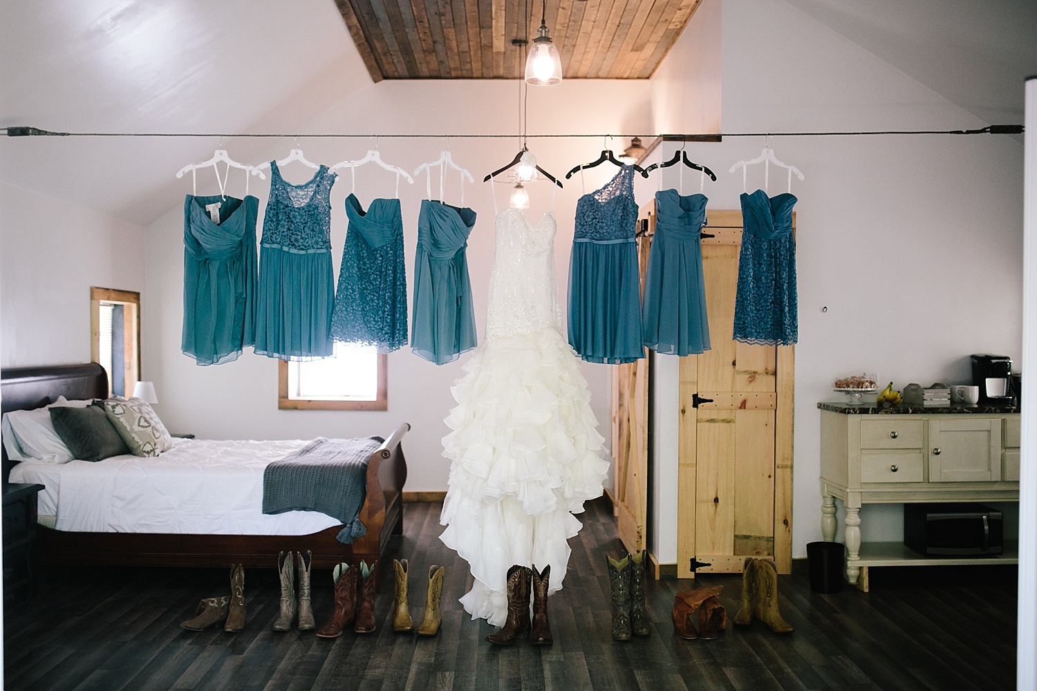 jennyryan_newbeginnings_farmstead_upstatenewyork_wedding_image005.jpg