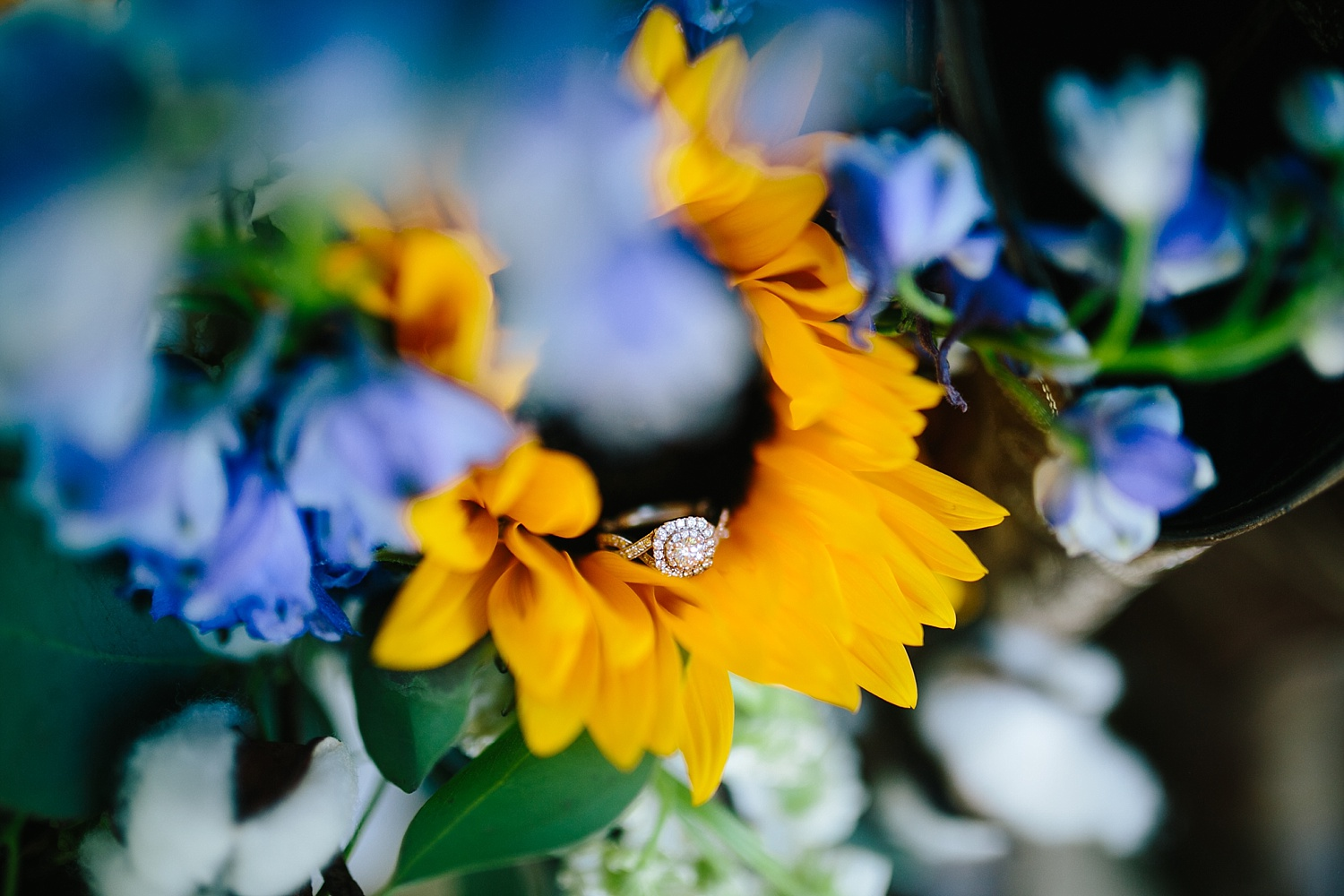 jennyryan_newbeginnings_farmstead_upstatenewyork_wedding_image013.jpg