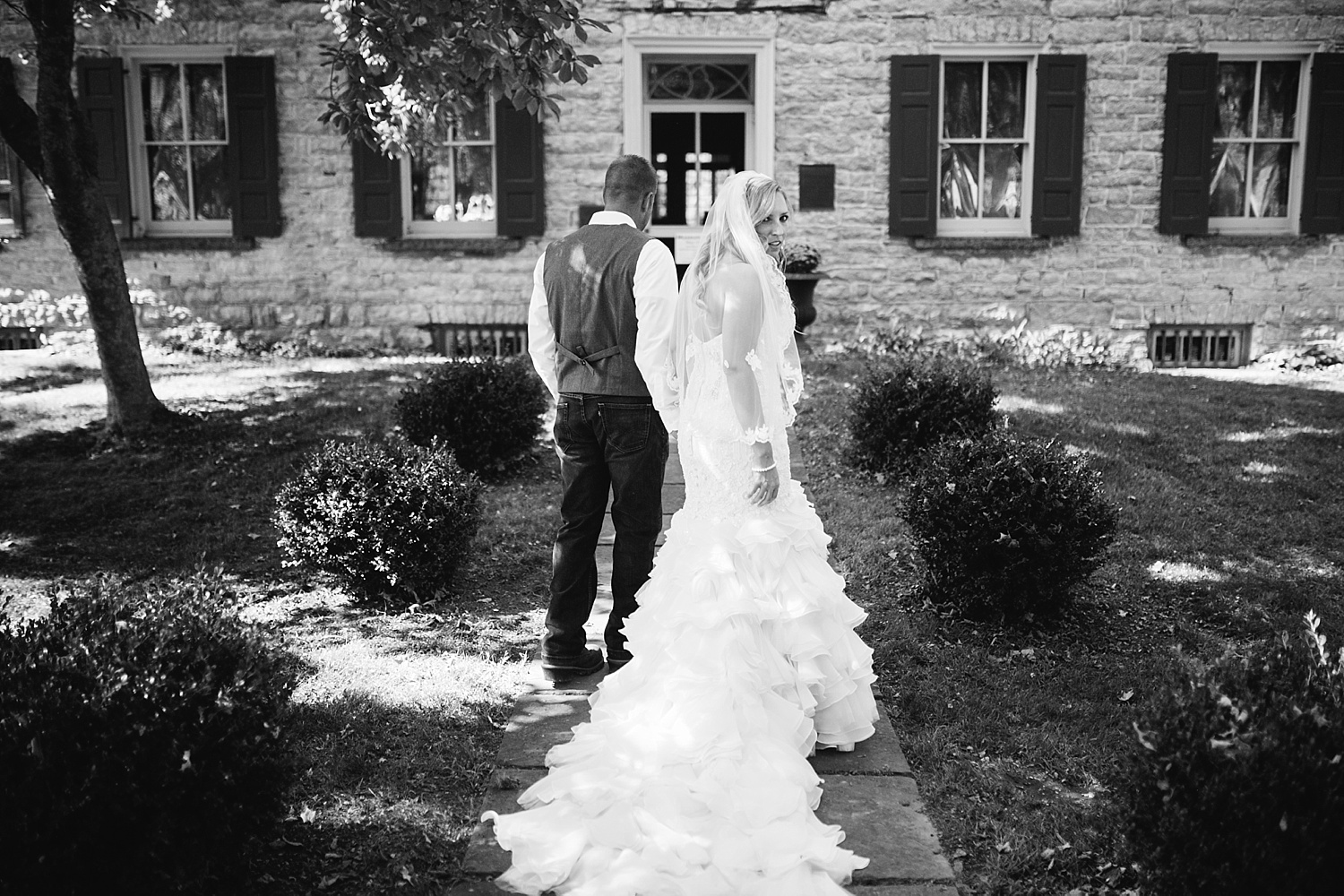 jennyryan_newbeginnings_farmstead_upstatenewyork_wedding_image055.jpg