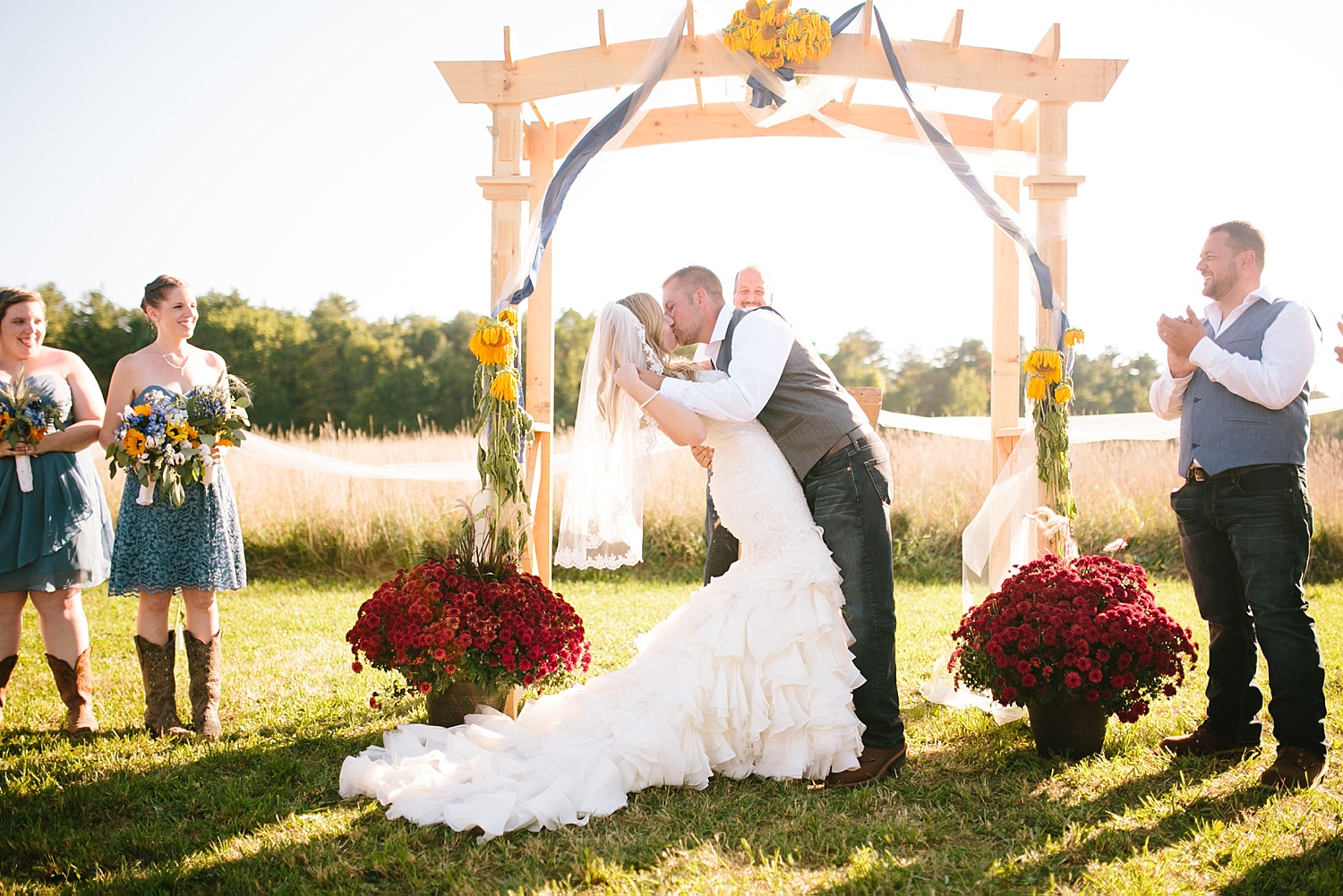 jennyryan_newbeginnings_farmstead_upstatenewyork_wedding_image094.jpg
