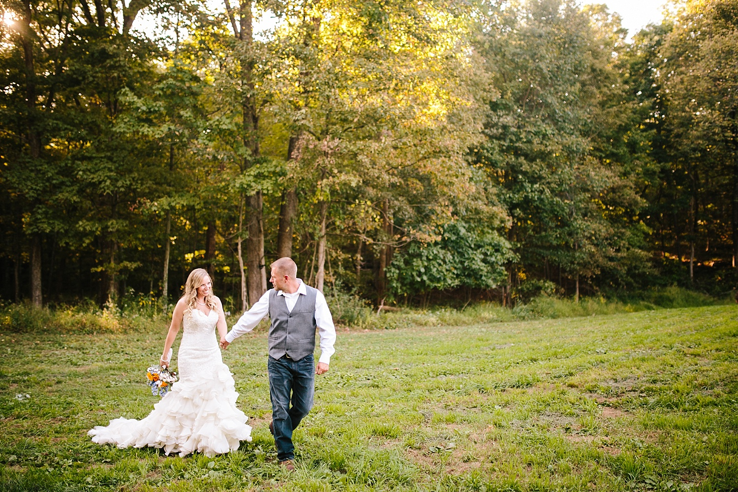 jennyryan_newbeginnings_farmstead_upstatenewyork_wedding_image096.jpg