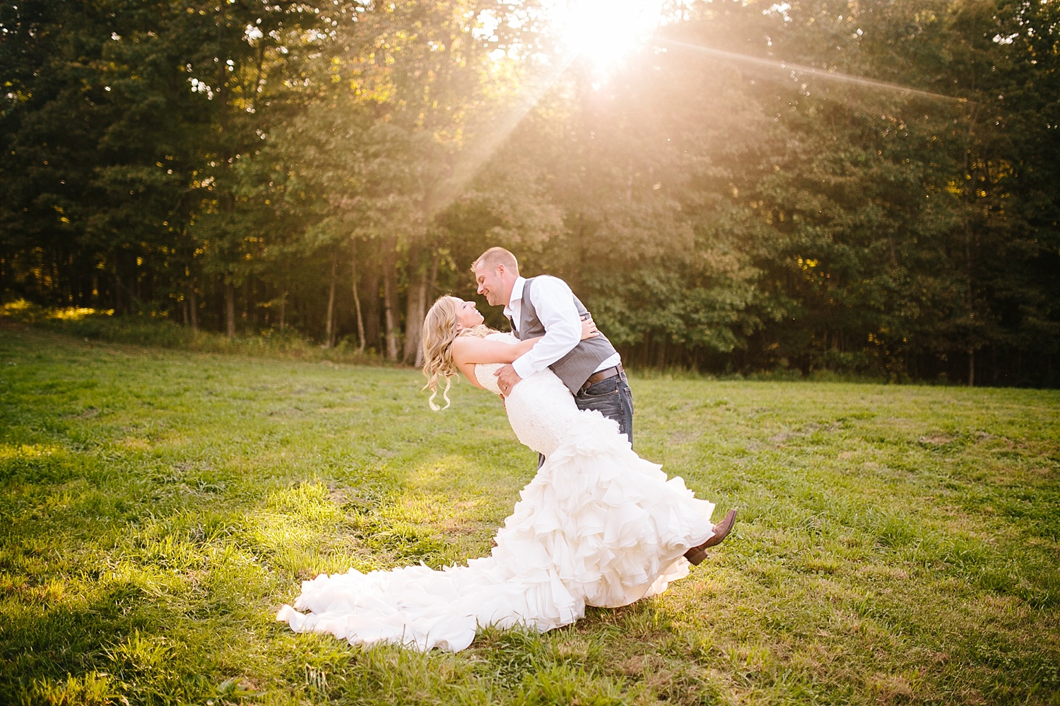 jennyryan_newbeginnings_farmstead_upstatenewyork_wedding_image098.jpg