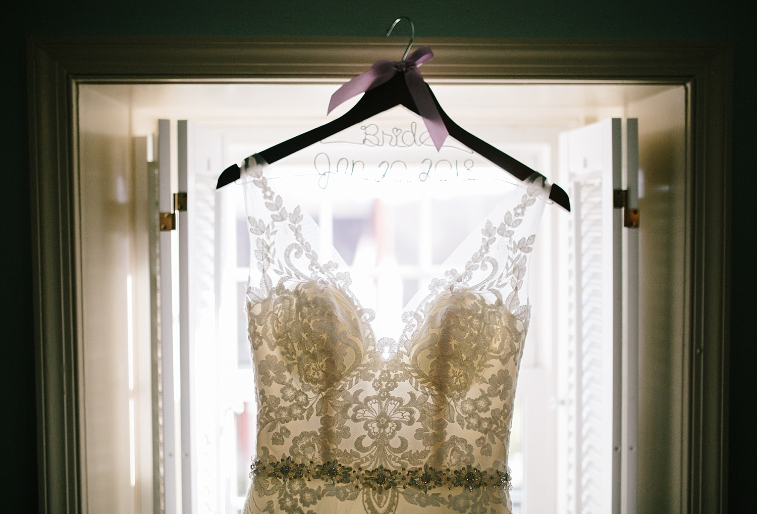 jessdavid_barnonbridge_phoenixville_winter_wedding_image_024.jpg