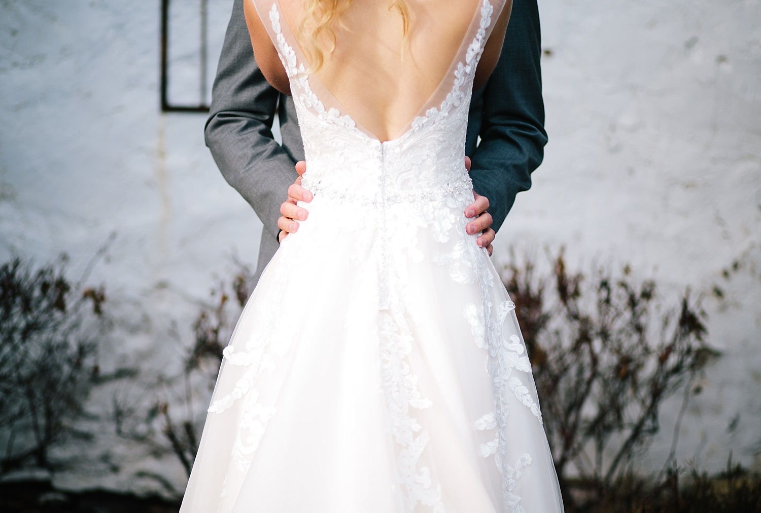 jessdavid_barnonbridge_phoenixville_winter_wedding_image_045.jpg