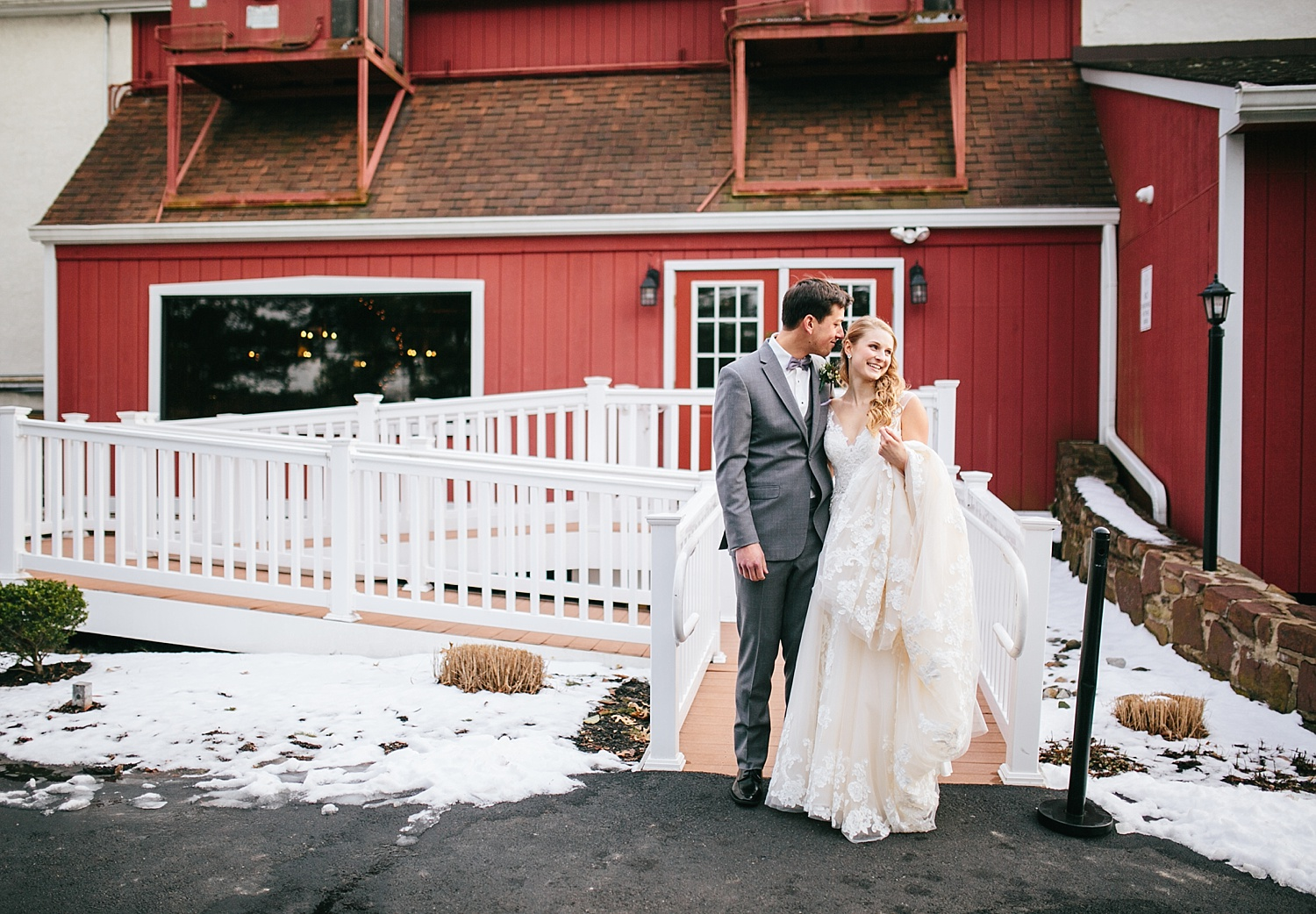 jessdavid_barnonbridge_phoenixville_winter_wedding_image_055.jpg