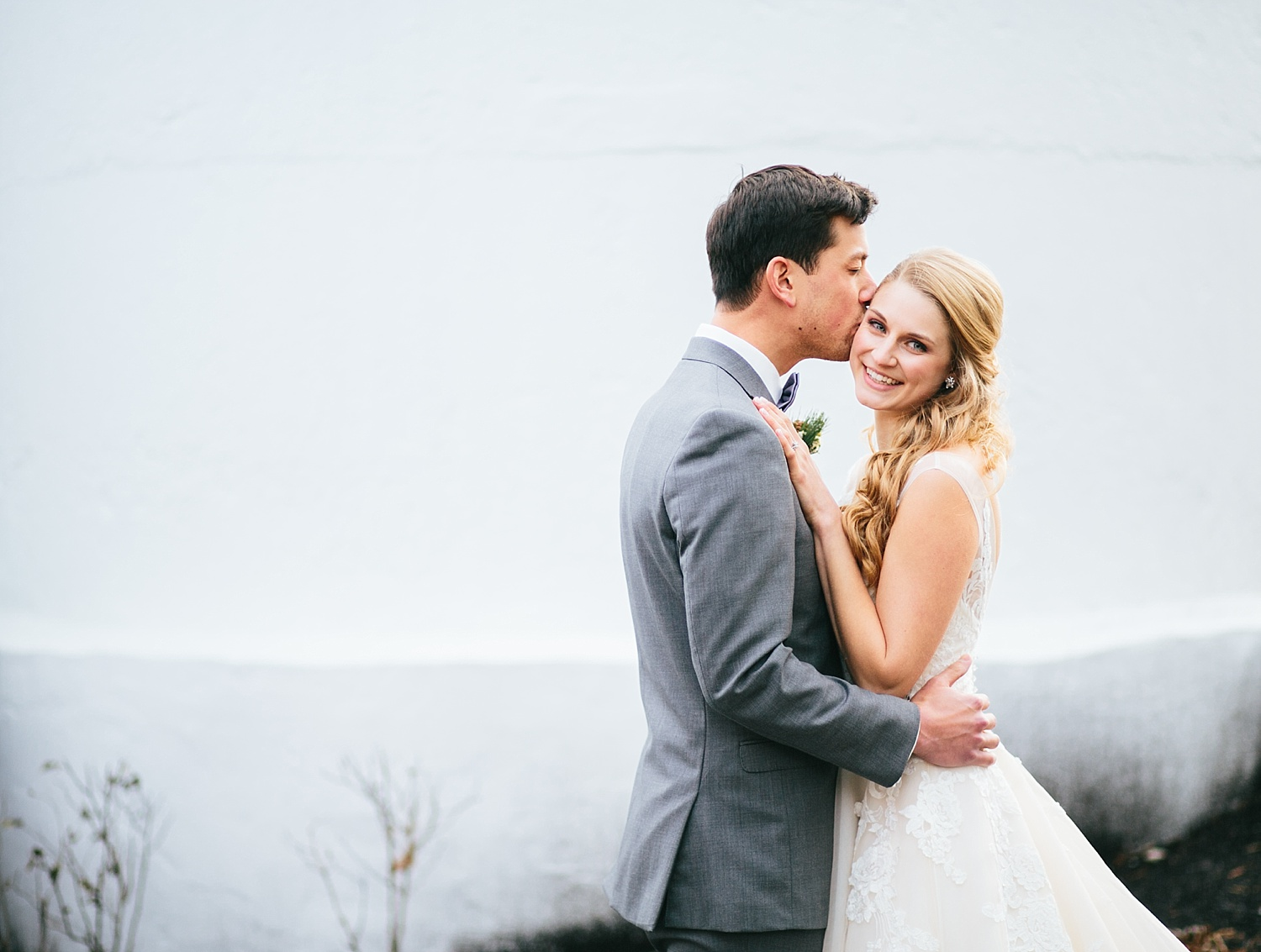 jessdavid_barnonbridge_phoenixville_winter_wedding_image_057.jpg