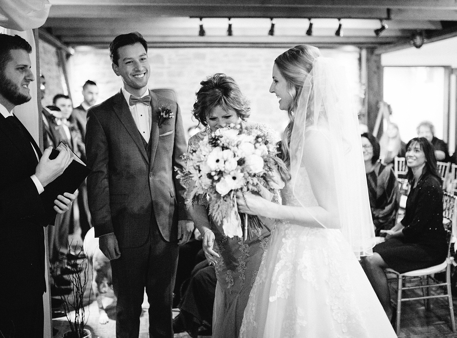 jessdavid_barnonbridge_phoenixville_winter_wedding_image_067.jpg