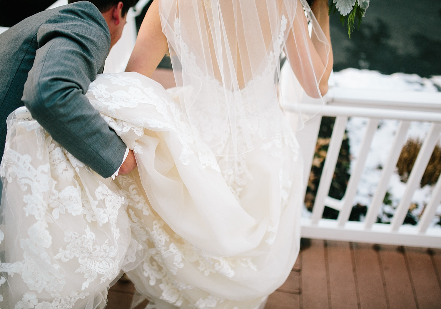 jessdavid_barnonbridge_phoenixville_winter_wedding_image_075.jpg