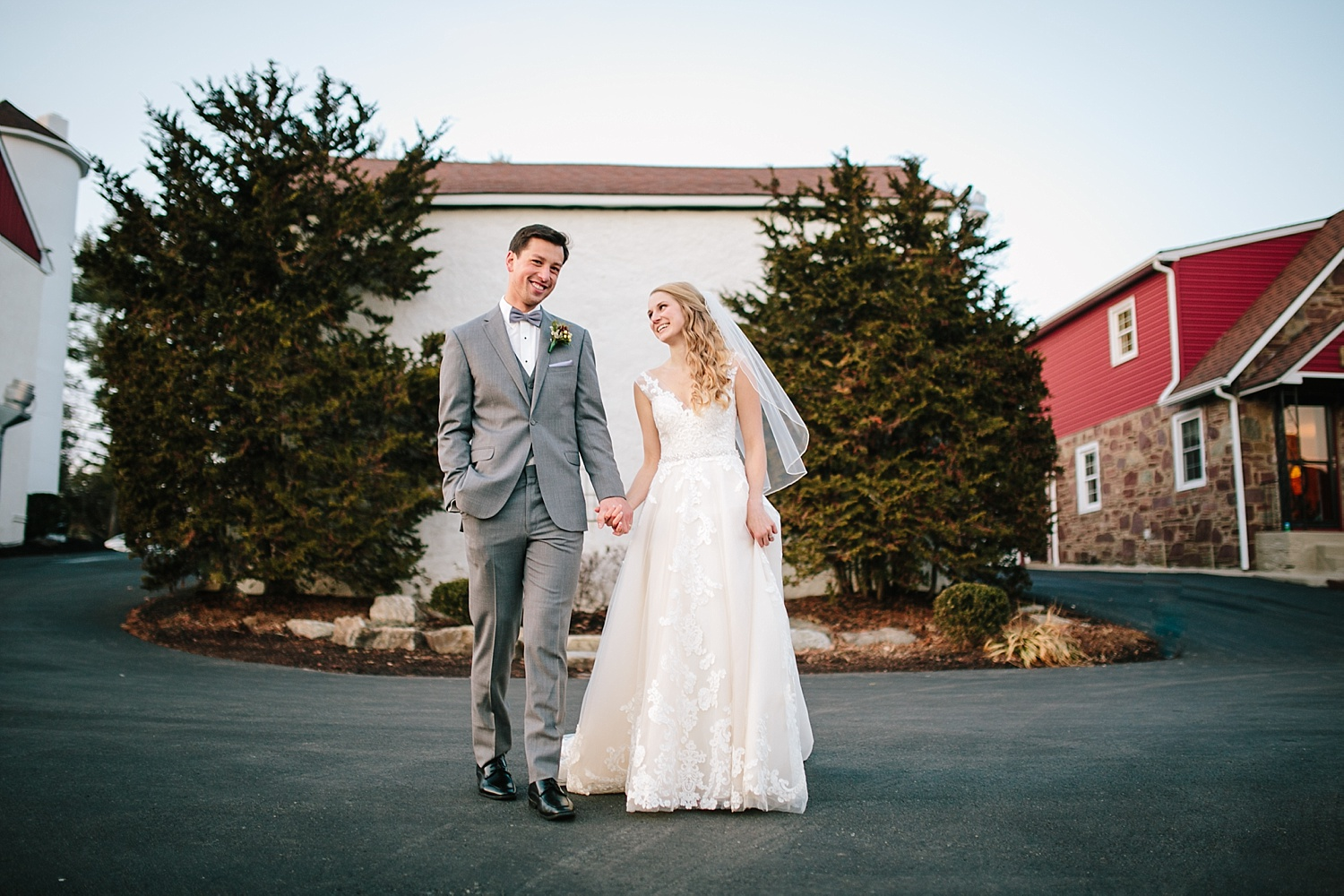 jessdavid_barnonbridge_phoenixville_winter_wedding_image_090.jpg