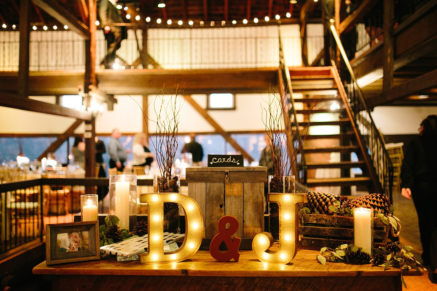 jessdavid_barnonbridge_phoenixville_winter_wedding_image_092.jpg