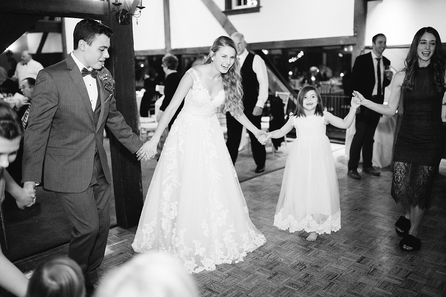 jessdavid_barnonbridge_phoenixville_winter_wedding_image_108.jpg