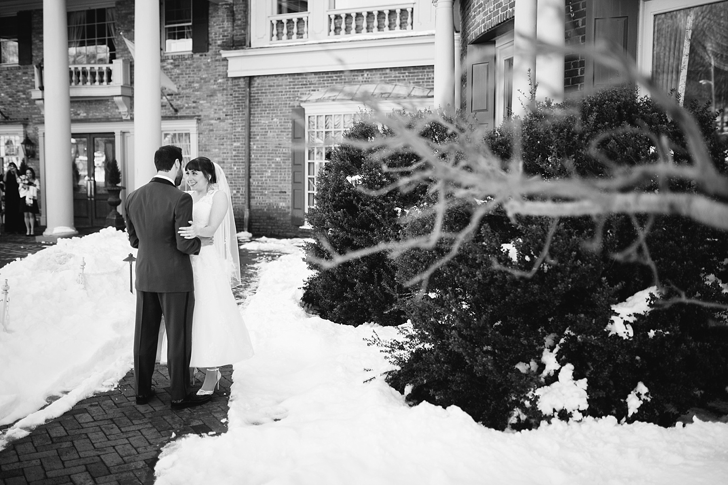 michelledaniel_themanor_newjersey_winter_wedding_image039.jpg