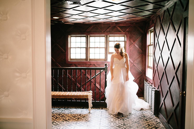 tarapeter_hotelduvillage_newhope_buckscounty_wedding_image039.jpg