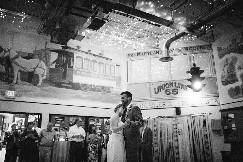 ronnyjohn_baltimore_streetcarmuseum_hotelindigo_wedding_image__0249.jpg