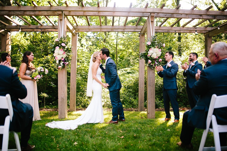 amyjamie_anthonywaynehouse_paoli_philadelphia_summer_wedding_image064.jpg