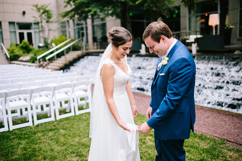 lisajoe_thelogan_philadelphia_artmuseum_wedding_image041.jpg
