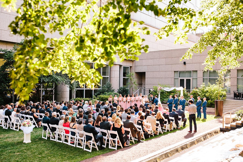 lisajoe_thelogan_philadelphia_artmuseum_wedding_image080.jpg
