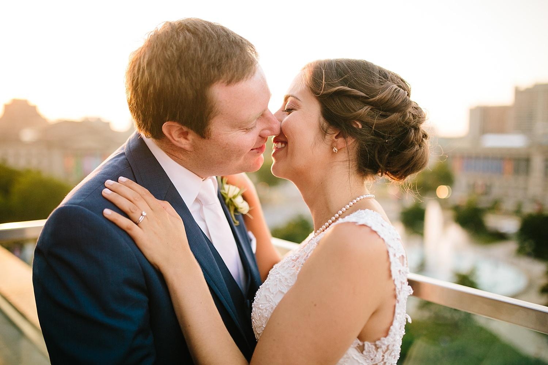 lisajoe_thelogan_philadelphia_artmuseum_wedding_image136.jpg