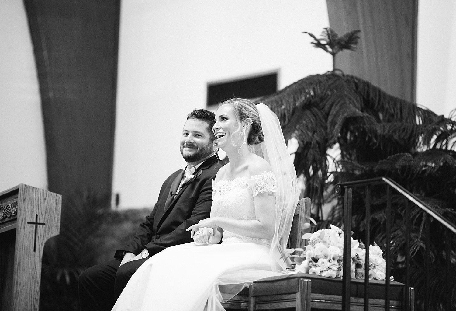 courtneyryan_sheraton_societyhill_philadelphia_merchantsexchange_wedding_image056.jpg