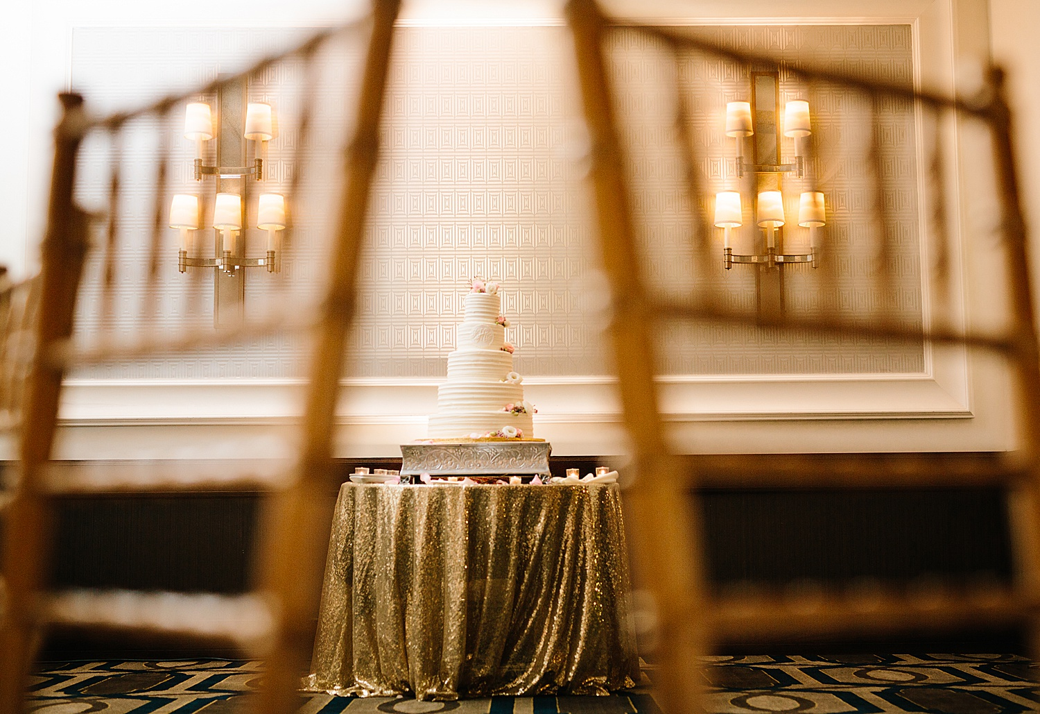 courtneyryan_sheraton_societyhill_philadelphia_merchantsexchange_wedding_image089.jpg