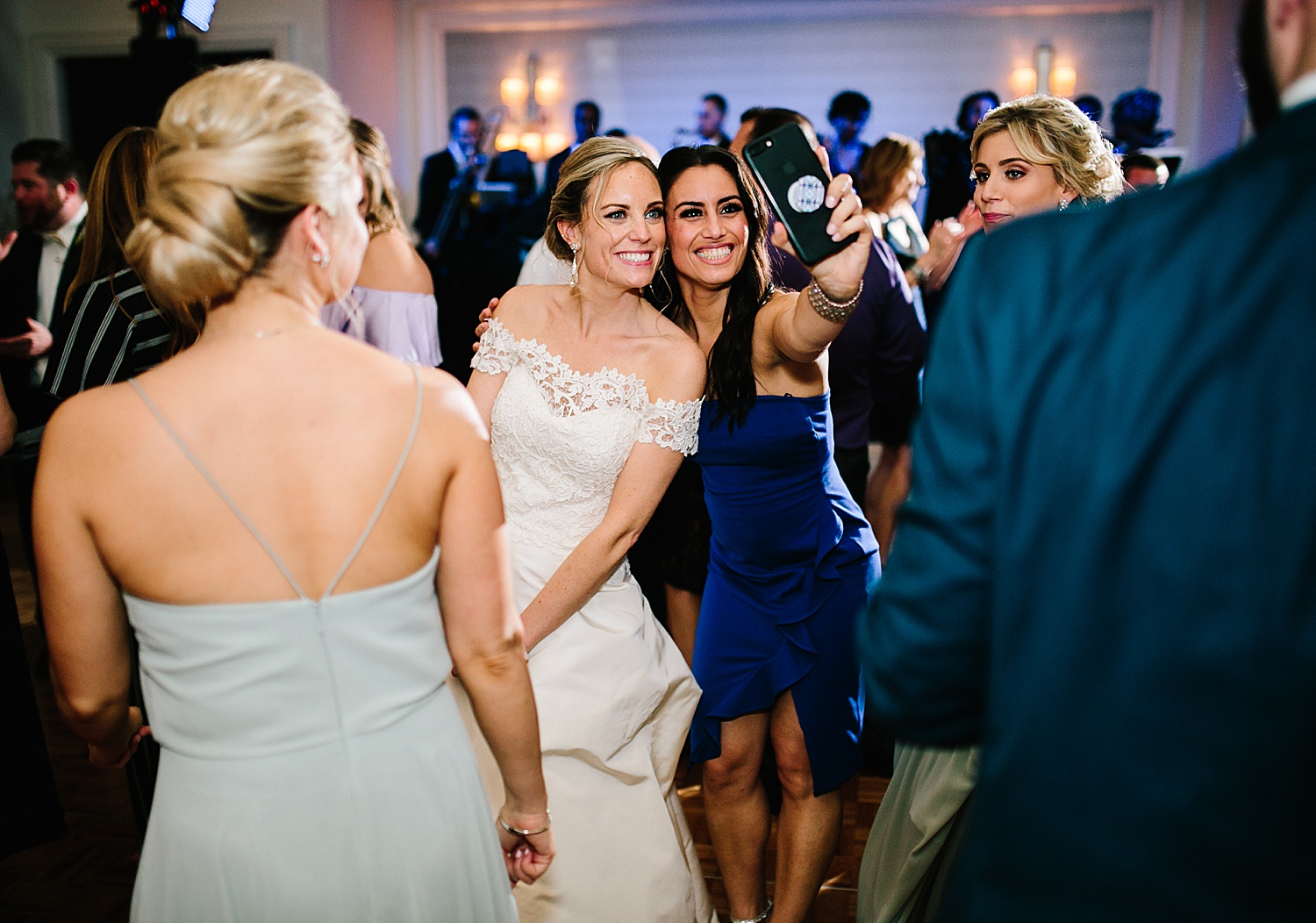 courtneyryan_sheraton_societyhill_philadelphia_merchantsexchange_wedding_image102.jpg