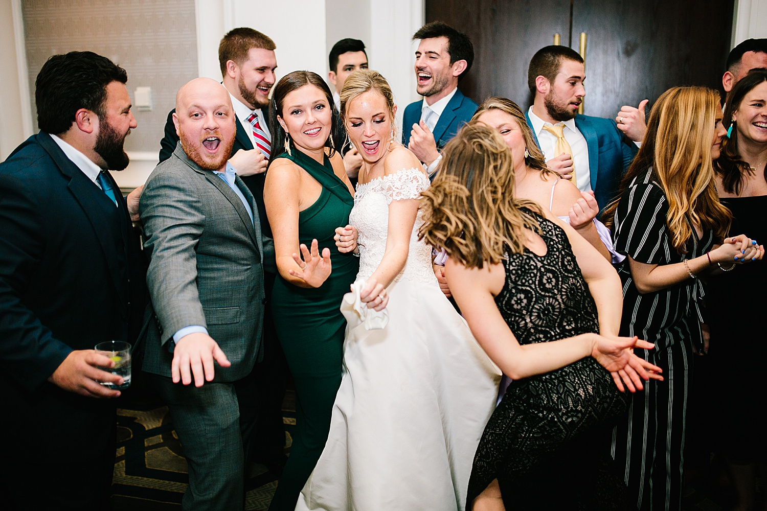 courtneyryan_sheraton_societyhill_philadelphia_merchantsexchange_wedding_image114.jpg