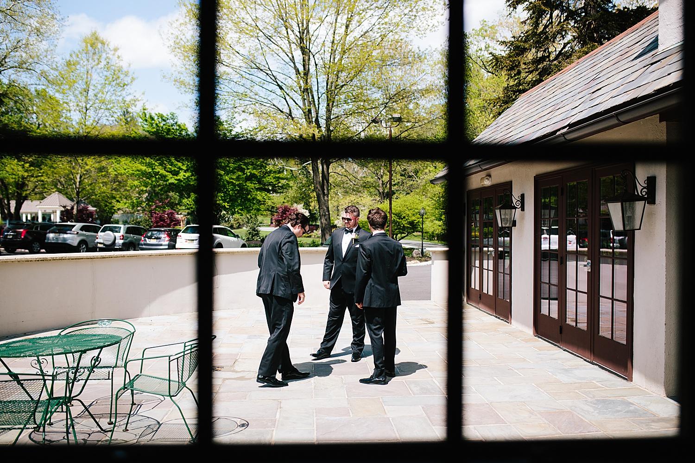 caitlingmarc_hotelduvillage_newhope_estate_spring_wedding)image025.jpg