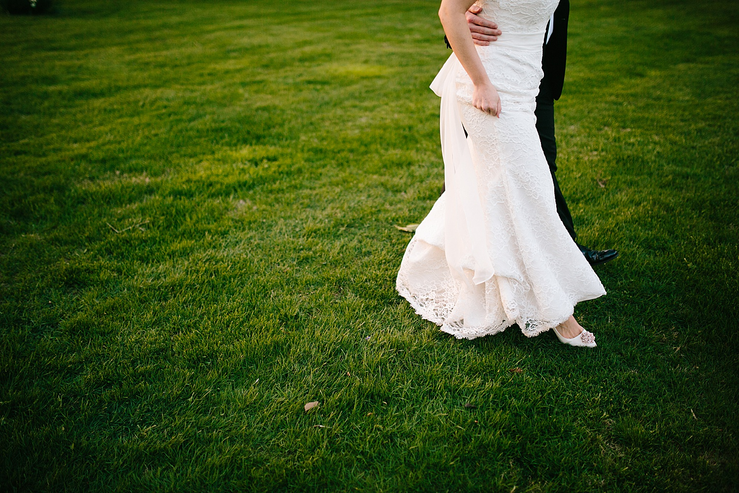 caitlingmarc_hotelduvillage_newhope_estate_spring_wedding)image088.jpg