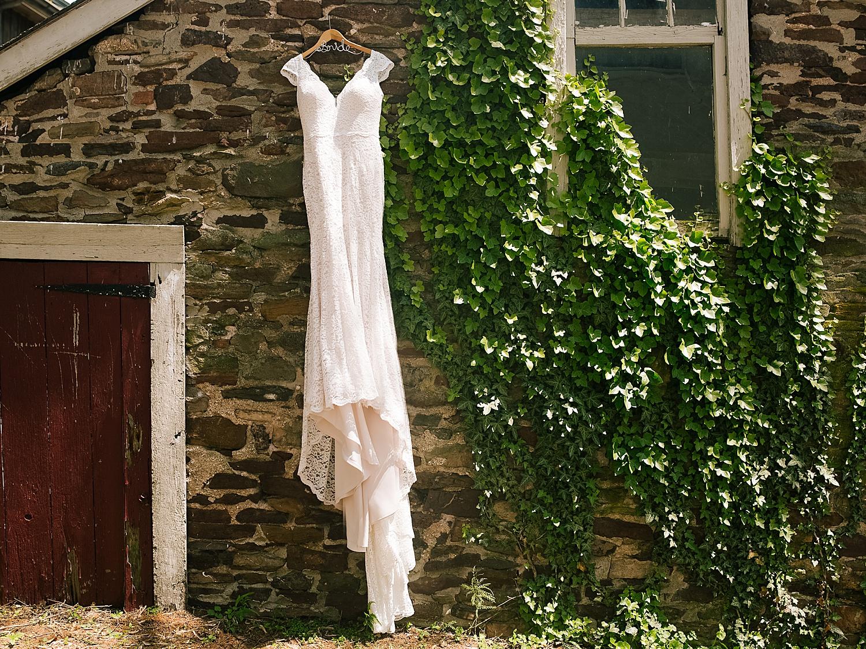 emilyaustin_rosebank_winery_newhope_farm_wedding_image008.jpg
