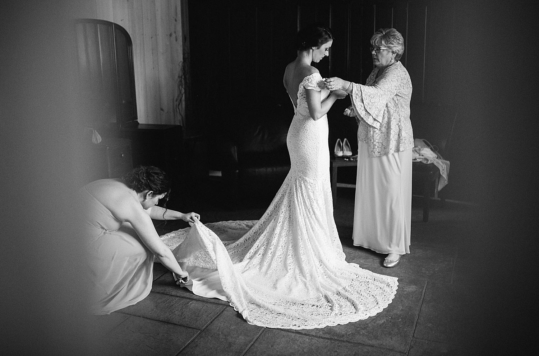 emilyaustin_rosebank_winery_newhope_farm_wedding_image016.jpg