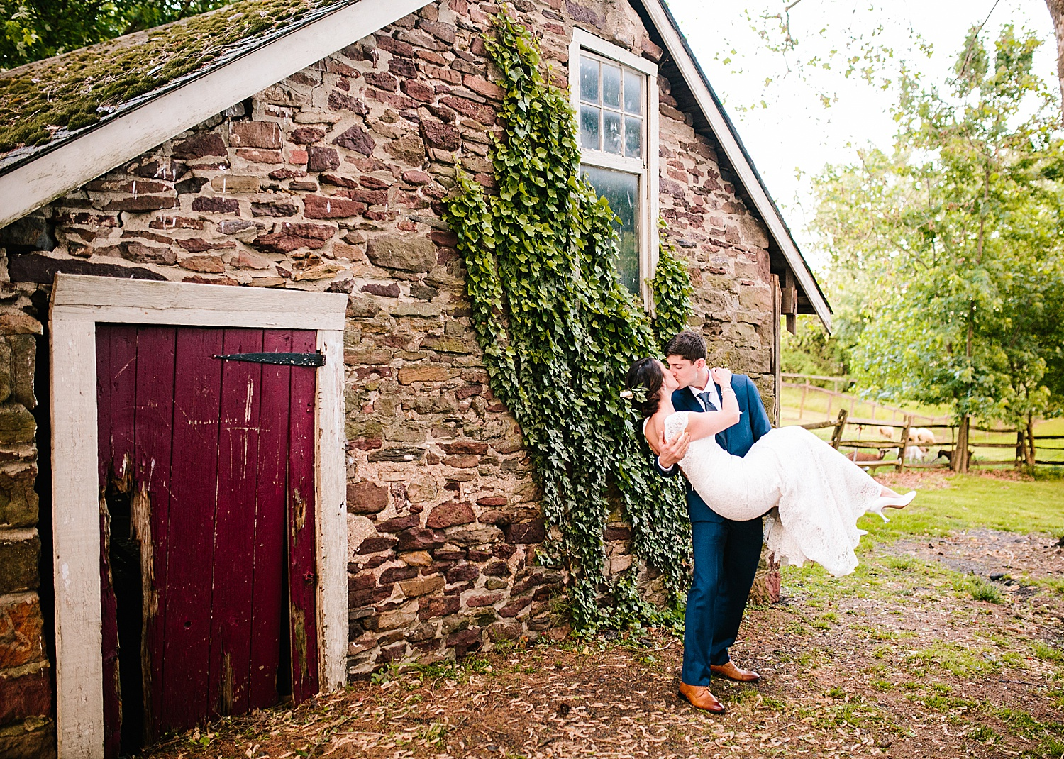 emilyaustin_rosebank_winery_newhope_farm_wedding_image117.jpg