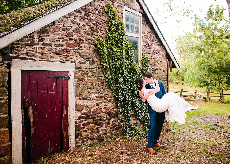 emilyaustin_rosebank_winery_newhope_farm_wedding_image117.jpg
