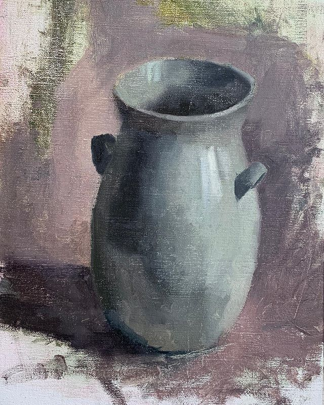 A sketch of a jug from a while back. ⠀ .⠀ .⠀ Oil on Linen, 16 x 11.5 in