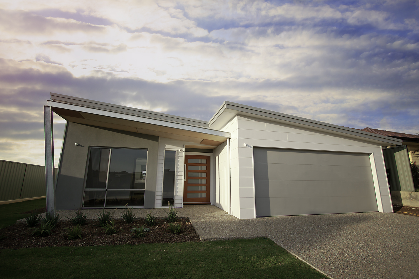 SOUTHERN BUILT HOMES   Excellence In Design And Workmanship.