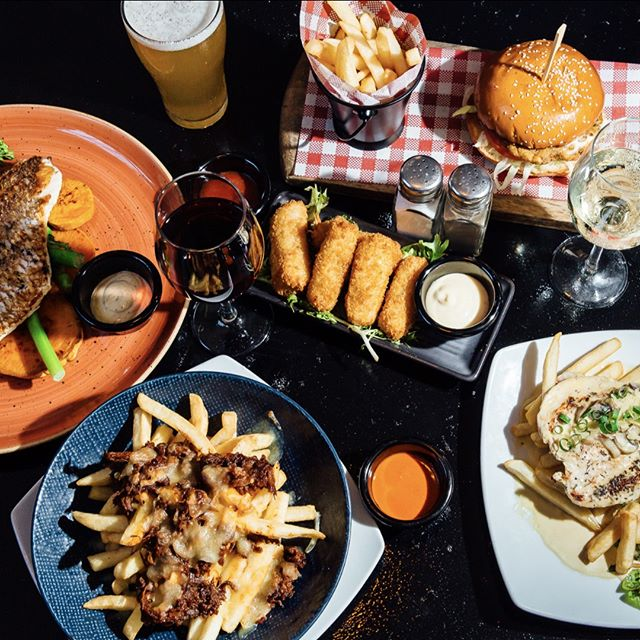 Looking for somewhere to have a delicious mid-week lunch? Look no further! Our delicious autumn menu has something for everyone! 👍 . . . . #banktavernkogarah #kogarah #banktavern #banktav #bistro  #newmenu #nowopen #sydneypubs #sydneyeats #sydneyfoodie #delicious #yummy #friends #food #value #loadedfries #onthetable #longlunch #burgerlover #grilledfish #pubfood #pubgrub #ladieswholunch #worklunch #lunchgoals #feedme
