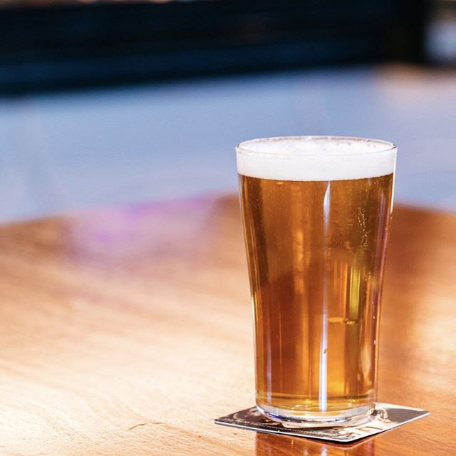 Taste's like the weekend🕺💃 Tag your beer mate 🍻 . . .  #cheers #banktavern #kogarah #sydneypubs #rockdale #southsydney #weekendvibes #beer #beermates #schooner #beerlover