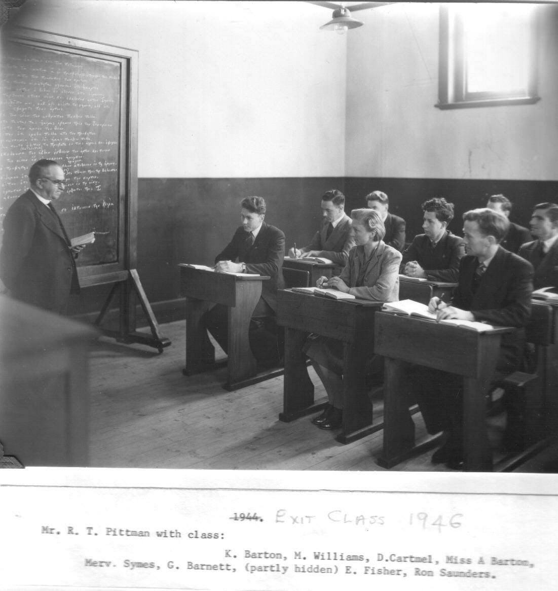 R. T. Pittman lecturing, 1946