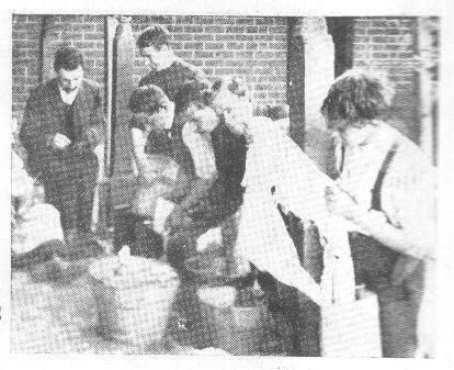 Monday morning laundry, 1911