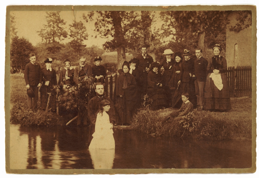 A photograph from the collection of Randal Pittman, lecturer at the College of the Bible for 49 years (1915-1963). This baptism took place at Leominster (UK).