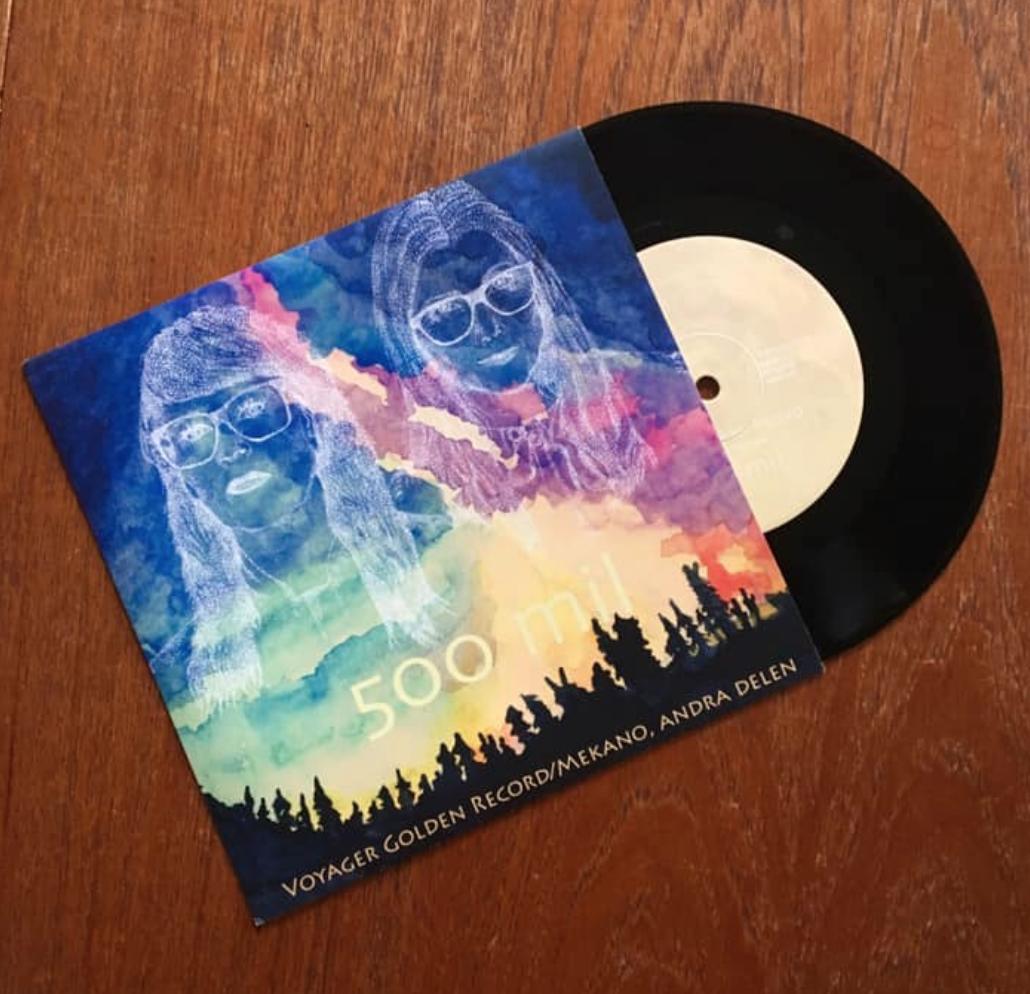 HÄR kan du köpa vår vinylsingel.  A-sidan: Voyager Golden Record. B-sidan: Mekano, andra delen.