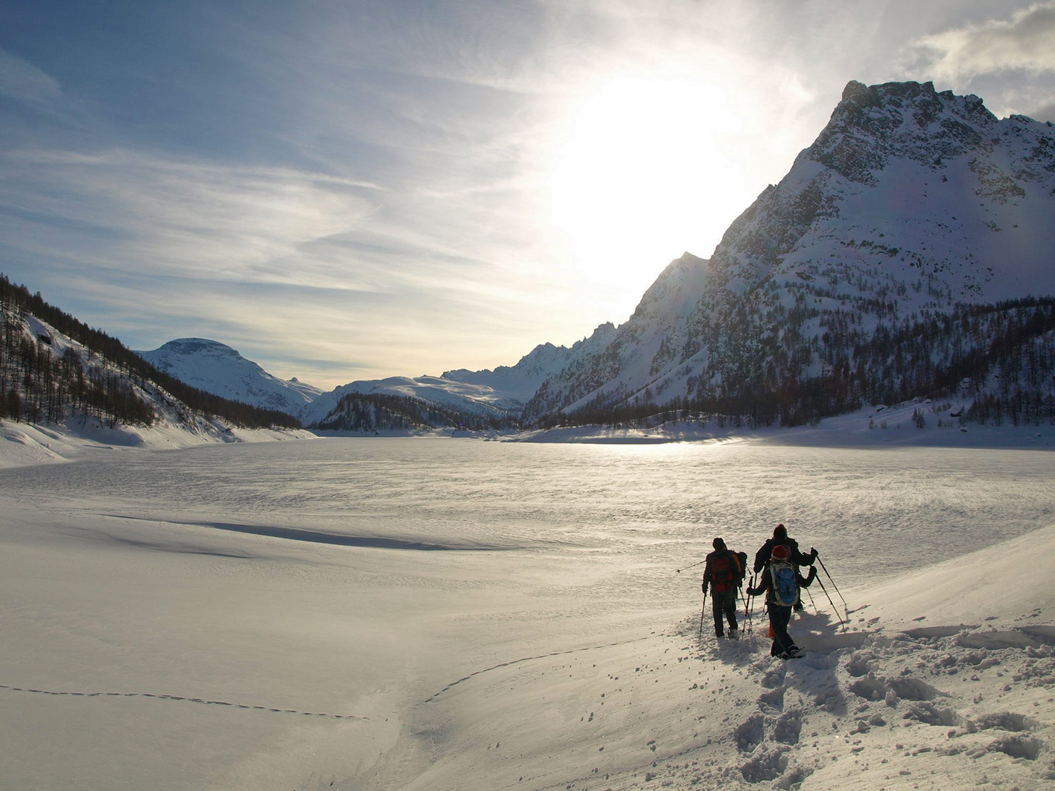P2216727---traversata-lago.jpg