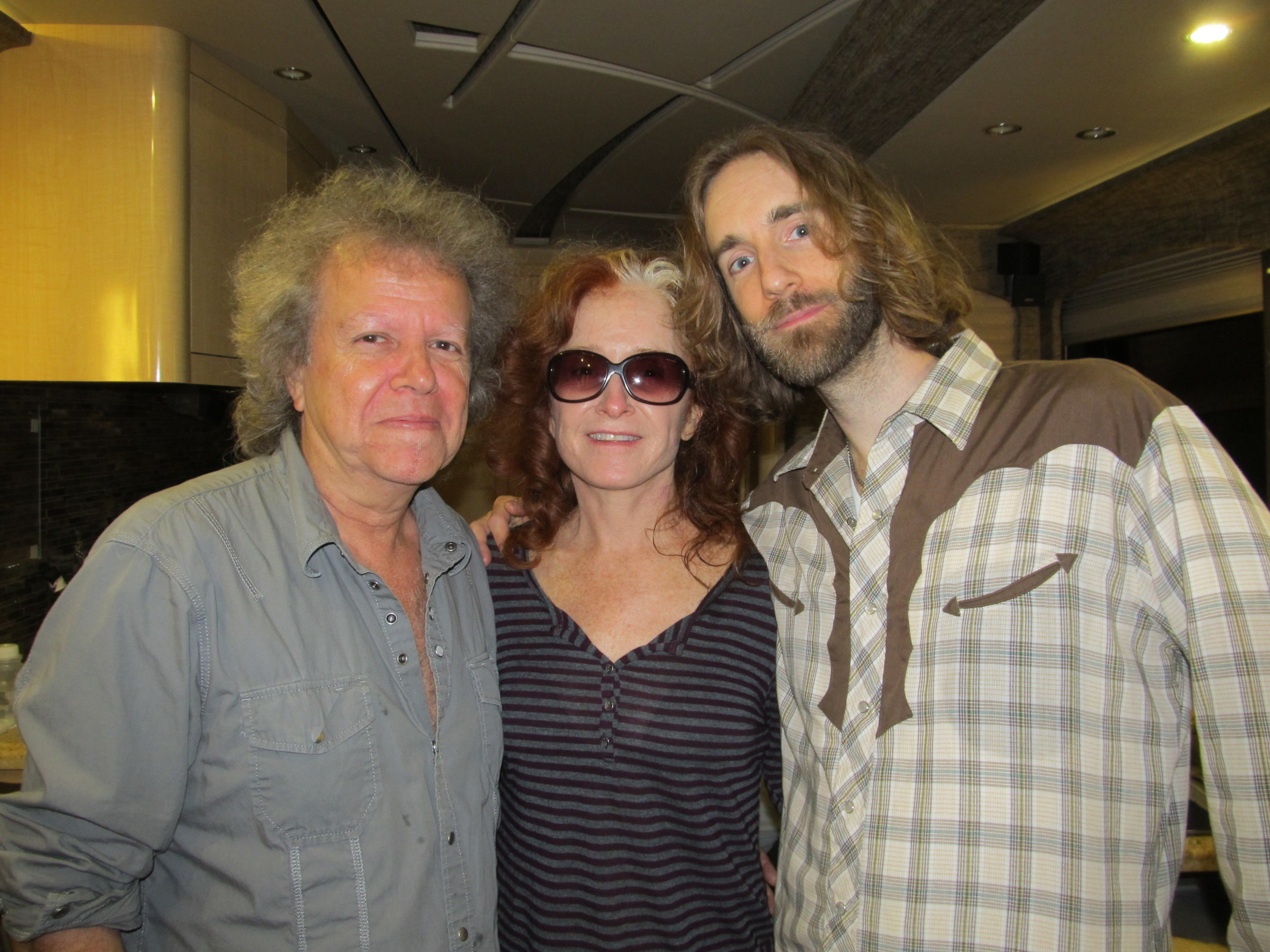 2012-06-03 - George Marinelli, Bonnie Raitt, Pete Pidgeon by Patrick Murray in Albany.jpg