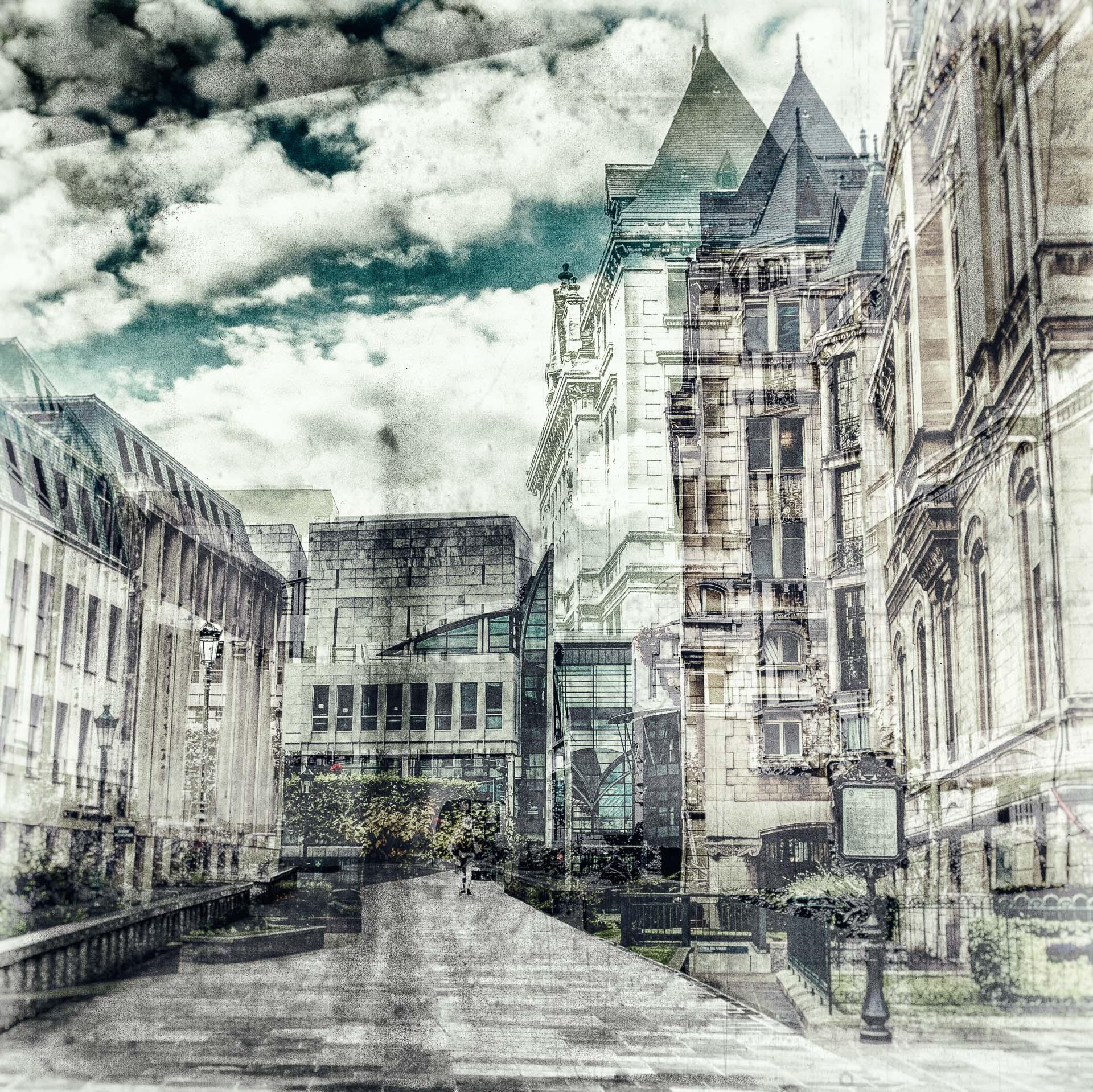 En longeant la mairie
