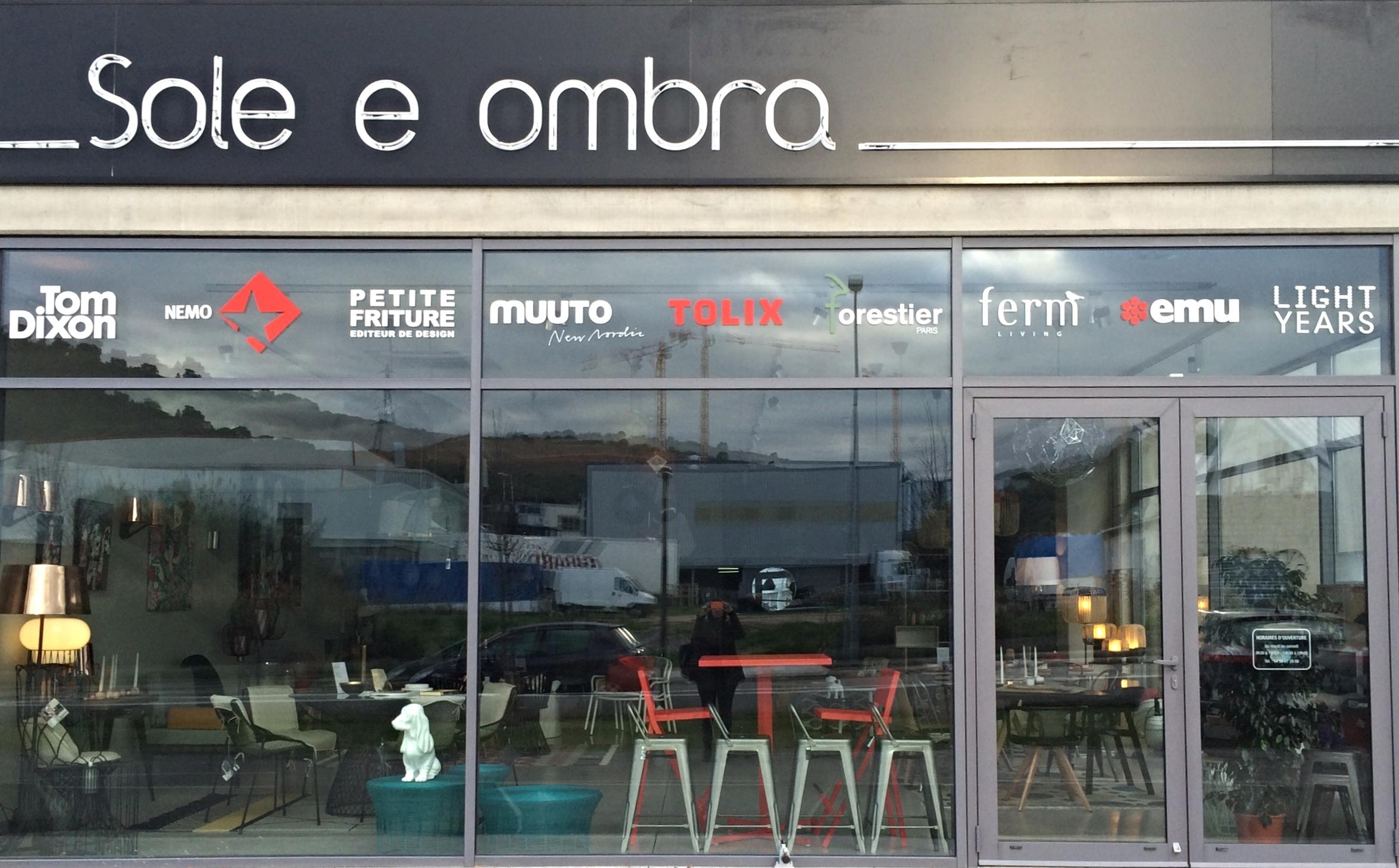 Sole e Ombra est une boutique de mobilier In & Outdoor - Luminaires située à Ajaccio, Mezzavia