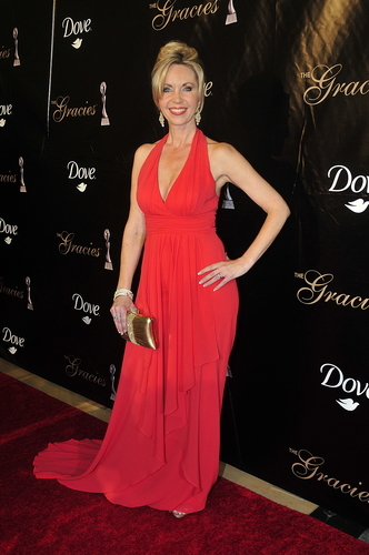 Carson arriving at the Gracie Awards