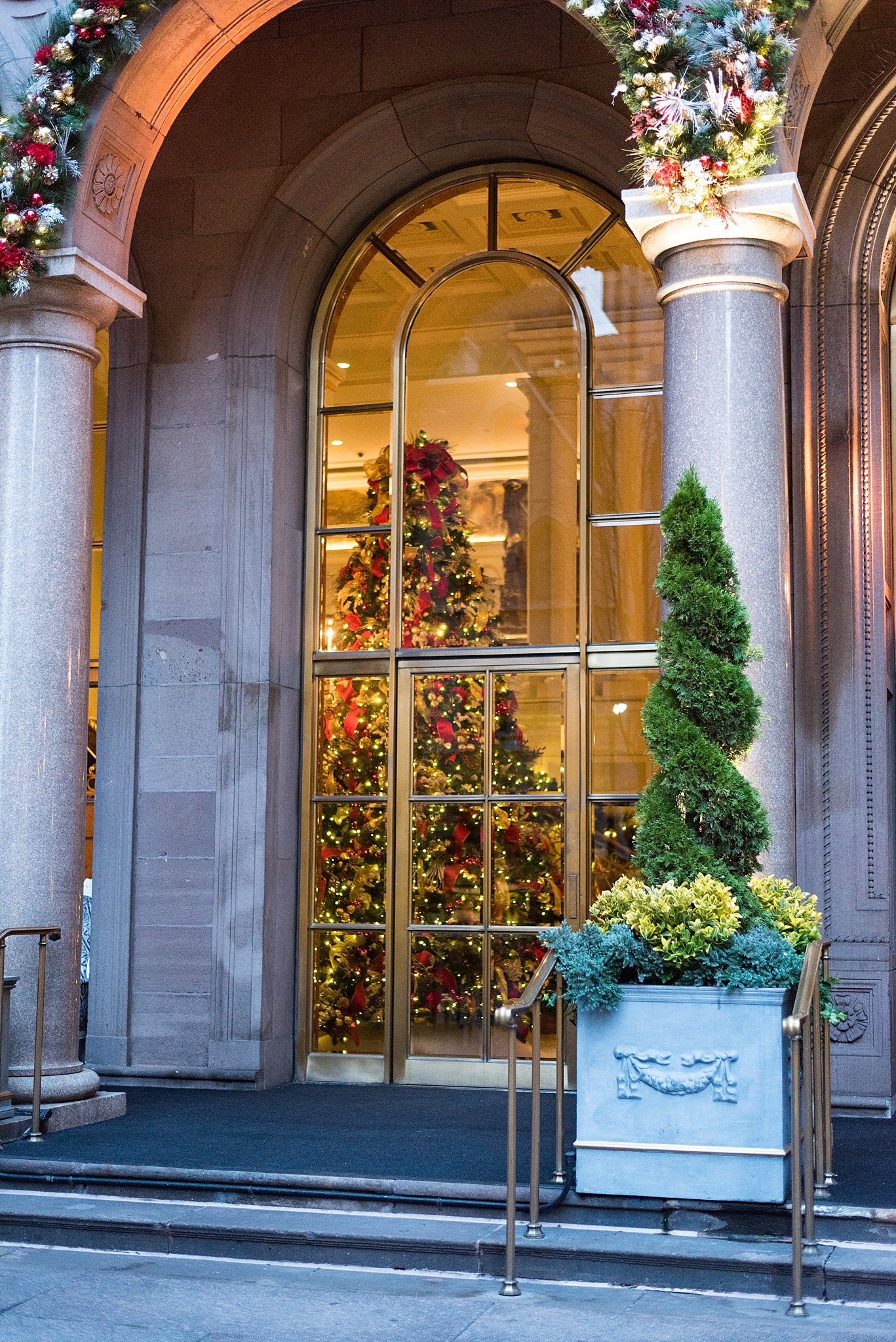 main entrance of lotte new york palace in new york city