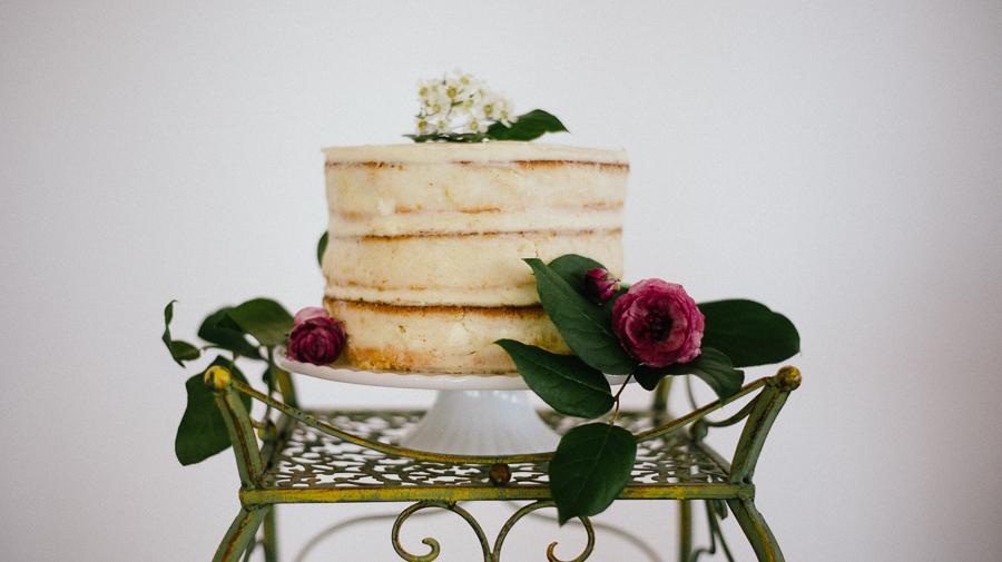cake captured by new england wedding photographer.jpg