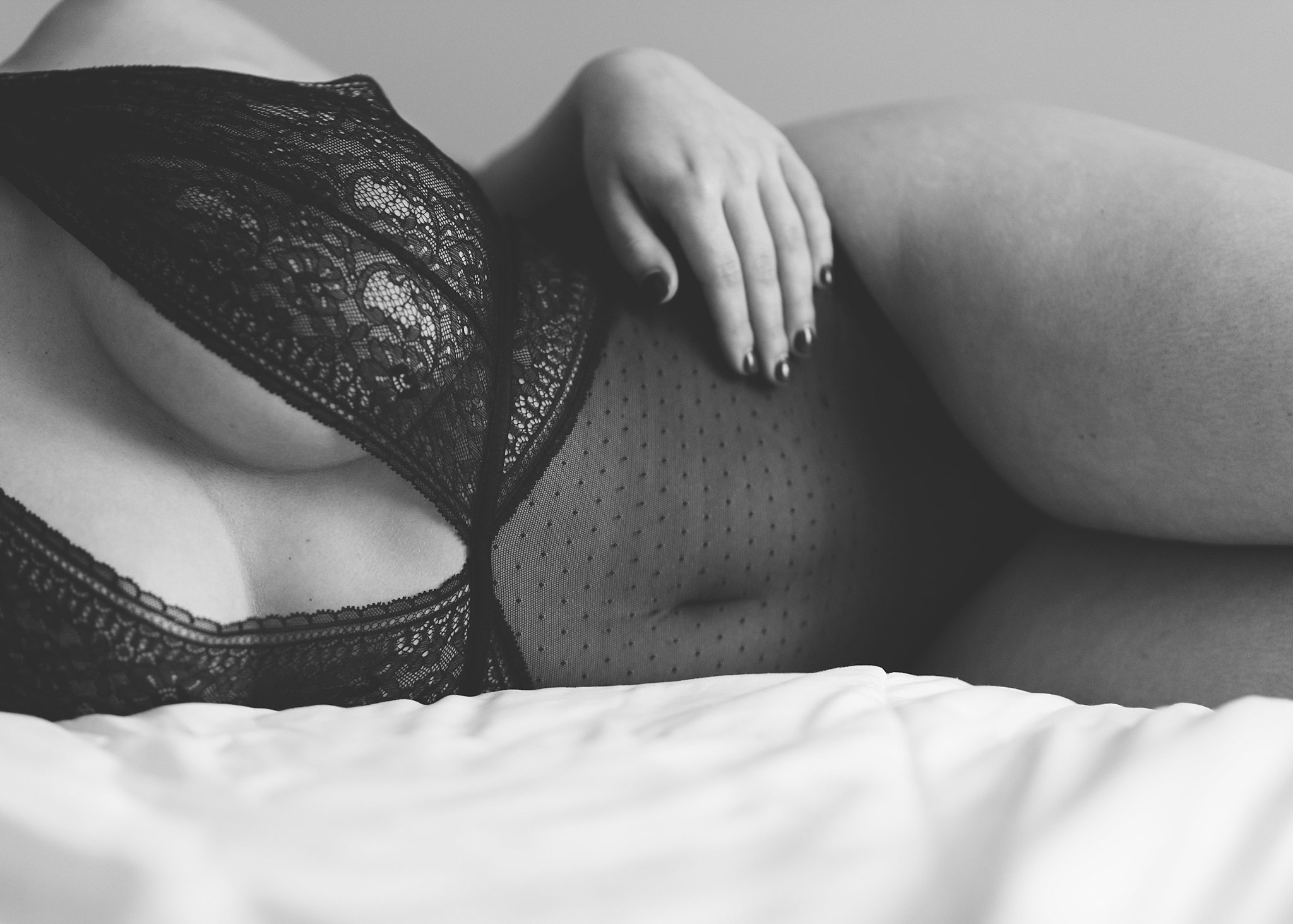 sexy in home boudoir photography.jpg